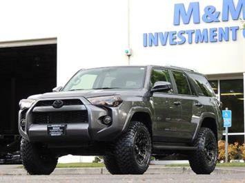 2016 Toyota 4Runner SR5 / 4X4 / Navigation / LIFTED / ONLY 12K MILES SUV