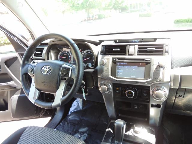 2016 Toyota 4Runner 4X4 3RD SEAT / CAM / WARRANTY / XD WHEELS / LIFTED - Photo 38 - Portland, OR 97217