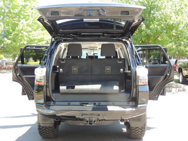 2016 Toyota 4Runner 4X4 3RD SEAT / CAM / WARRANTY / XD WHEELS / LIFTED - Photo 22 - Portland, OR 97217
