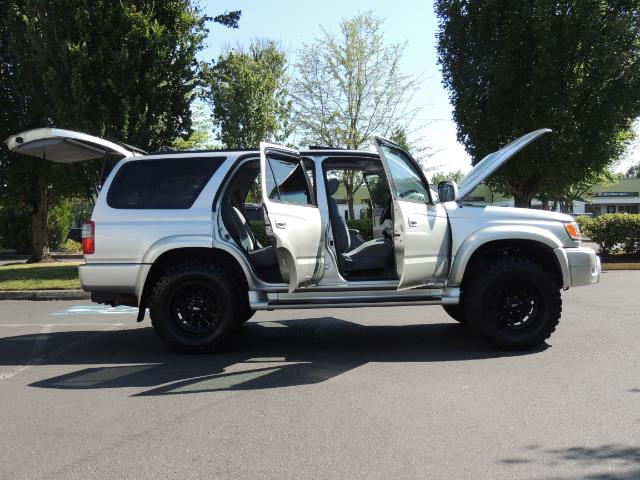 2000 Toyota 4Runner SR5 4dr SR5 / 4X4 /  5-SPEED MANUAL / LIFTED - Photo 30 - Portland, OR 97217