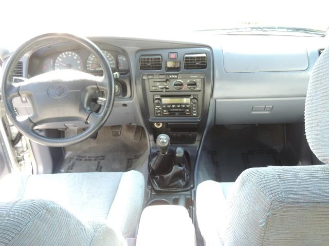 2000 Toyota 4Runner SR5 4dr SR5 / 4X4 /  5-SPEED MANUAL / LIFTED - Photo 19 - Portland, OR 97217
