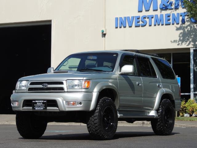 2000 Toyota 4Runner SR5 4dr SR5 / 4X4 /  5-SPEED MANUAL / LIFTED - Photo 1 - Portland, OR 97217