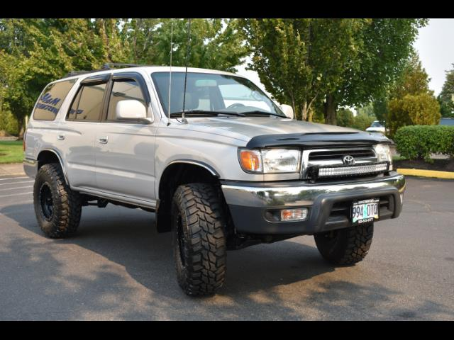 2000 Toyota 4Runner SR5 4X4 3.4L 6Cyl / LIFTED / TIMING BELT DONE - Photo 12 - Portland, OR 97217