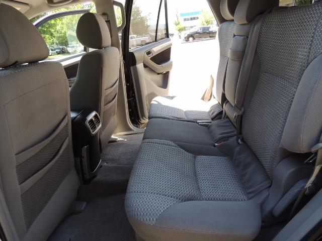 2006 Toyota 4Runner V6 4.0L / 4X4 / DIFF LOCK / 3RD SEATS / 1-OWNER - Photo 14 - Portland, OR 97217