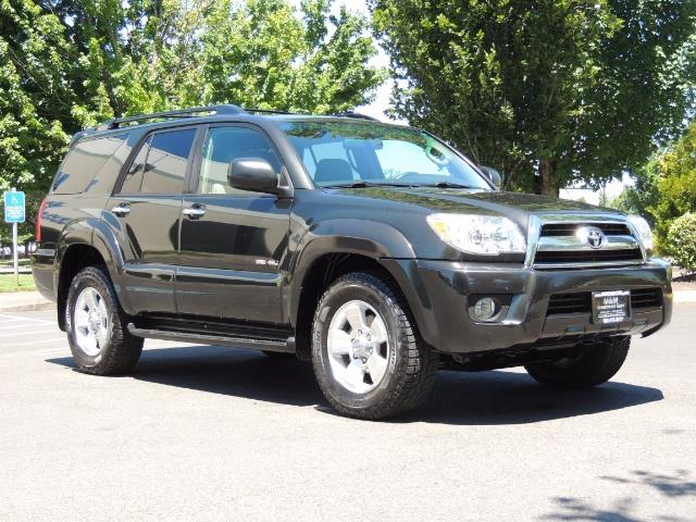 2006 Toyota 4Runner V6 4.0L / 4X4 / DIFF LOCK / 3RD SEATS / 1-OWNER - Photo 2 - Portland, OR 97217
