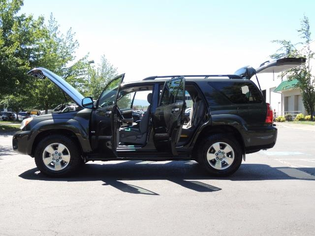 2006 Toyota 4Runner V6 4.0L / 4X4 / DIFF LOCK / 3RD SEATS / 1-OWNER - Photo 22 - Portland, OR 97217