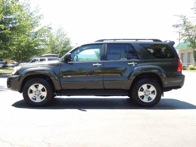 2006 Toyota 4Runner V6 4.0L / 4X4 / DIFF LOCK / 3RD SEATS / 1-OWNER - Photo 3 - Portland, OR 97217