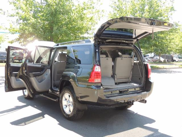 2006 Toyota 4Runner V6 4.0L / 4X4 / DIFF LOCK / 3RD SEATS / 1-OWNER - Photo 25 - Portland, OR 97217