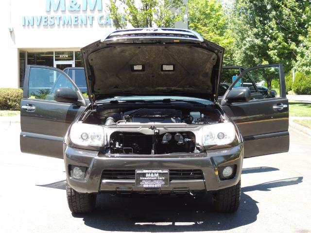 2006 Toyota 4Runner V6 4.0L / 4X4 / DIFF LOCK / 3RD SEATS / 1-OWNER - Photo 29 - Portland, OR 97217