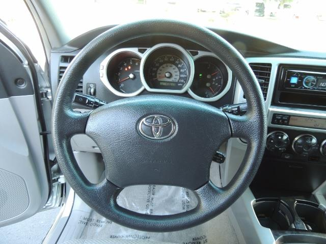 """2004 Toyota 4Runner SR5 6Cyl 4WD 2-Owner Third Row Seats LIFTED 33 """"Mud - Photo 35 - Portland, OR 97217"""
