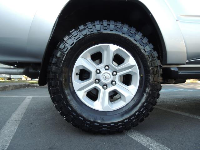 """2004 Toyota 4Runner SR5 6Cyl 4WD 2-Owner Third Row Seats LIFTED 33 """"Mud - Photo 39 - Portland, OR 97217"""