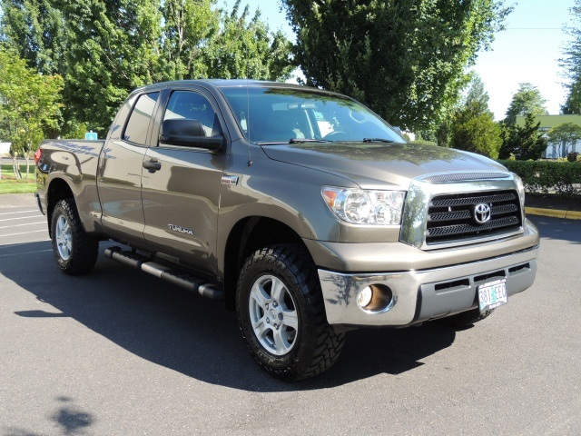 2009 toyota tundra double cab 4x4 5 7 l leather 1. Black Bedroom Furniture Sets. Home Design Ideas
