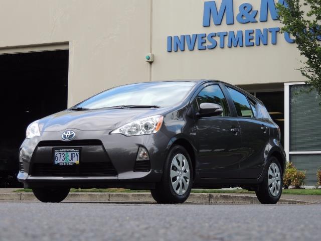 2014 Toyota Prius c One / Hatchback / 34K MILES - Photo 1 - Portland, OR 97217
