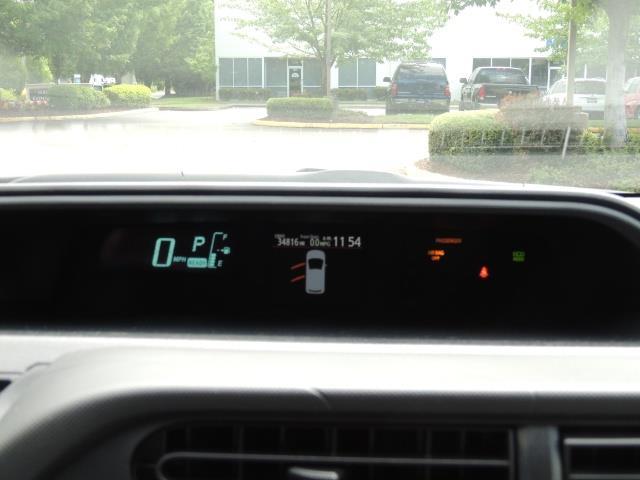 2014 Toyota Prius c One / Hatchback / 34K MILES - Photo 34 - Portland, OR 97217