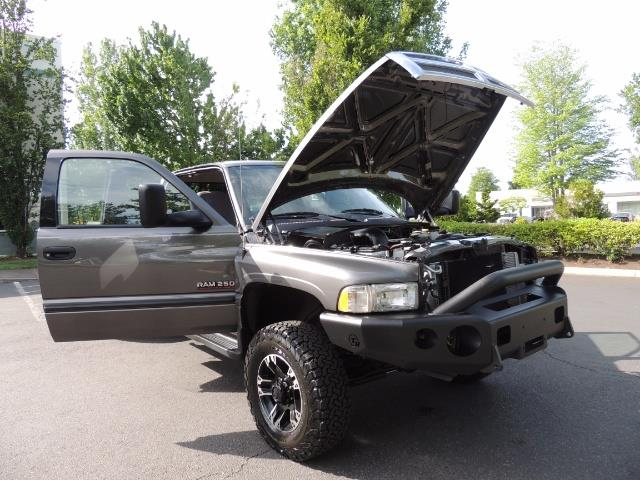 2002 Dodge Ram 2500 SLT 4dr Quad Cab / 4X4 / 5.9L DIESEL / 6-SPEED - Photo 30 - Portland, OR 97217