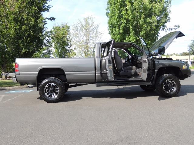 2002 Dodge Ram 2500 SLT 4dr Quad Cab / 4X4 / 5.9L DIESEL / 6-SPEED - Photo 29 - Portland, OR 97217