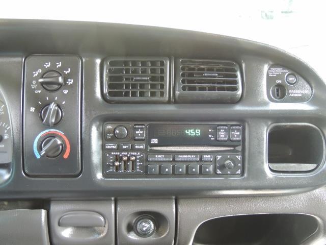 2002 Dodge Ram 2500 SLT 4dr Quad Cab / 4X4 / 5.9L DIESEL / 6-SPEED - Photo 20 - Portland, OR 97217