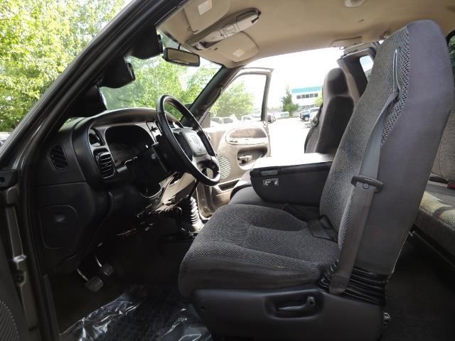 2002 Dodge Ram 2500 SLT 4dr Quad Cab / 4X4 / 5.9L DIESEL / 6-SPEED - Photo 13 - Portland, OR 97217