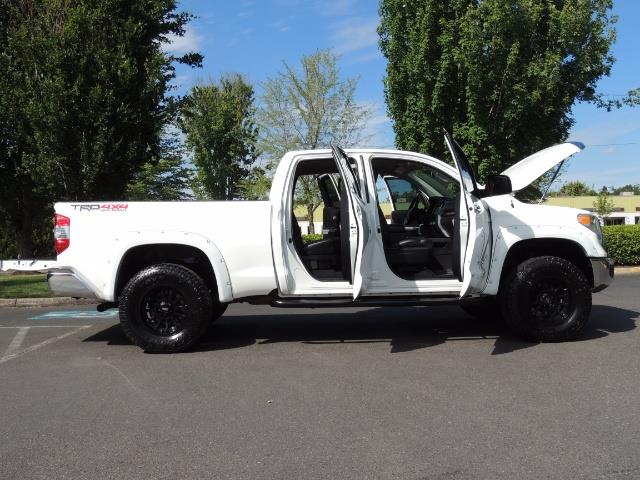 2015 Toyota Tundra Limited / TRD OFF RD / Leather / Navigation / LIFT - Photo 30 - Portland, OR 97217