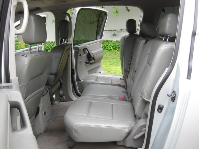 2004 nissan armada le  4wd  leather   3rd seat   rear dvd