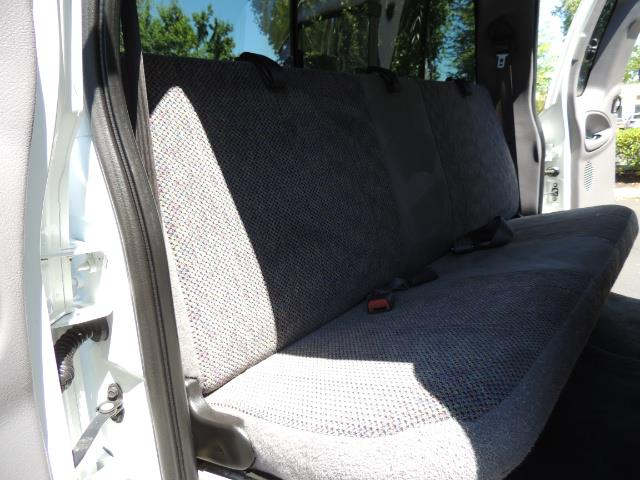 2001 Dodge Ram 2500 Laramie SLT Quad Cab / 4X4 /5.9L DIESEL / 6-SPEED - Photo 16 - Portland, OR 97217