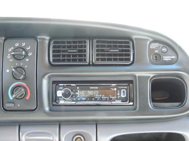 2001 Dodge Ram 2500 Laramie SLT Quad Cab / 4X4 /5.9L DIESEL / 6-SPEED - Photo 21 - Portland, OR 97217