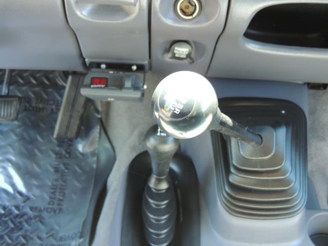 2001 Dodge Ram 2500 Laramie SLT Quad Cab / 4X4 /5.9L DIESEL / 6-SPEED - Photo 20 - Portland, OR 97217