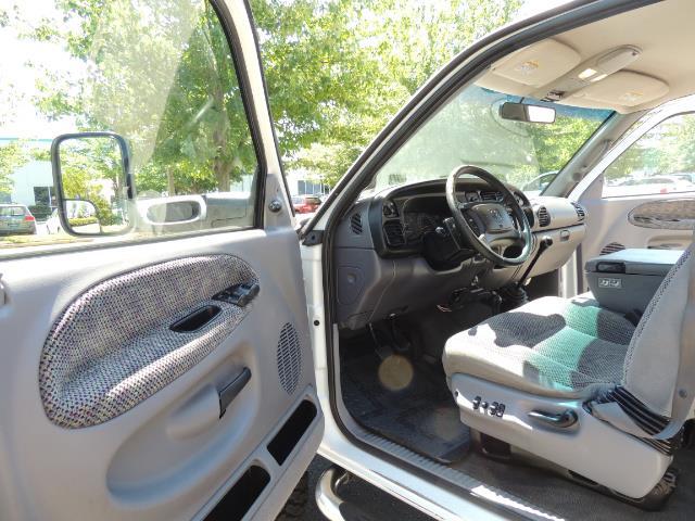 2001 Dodge Ram 2500 Laramie SLT Quad Cab / 4X4 /5.9L DIESEL / 6-SPEED - Photo 13 - Portland, OR 97217