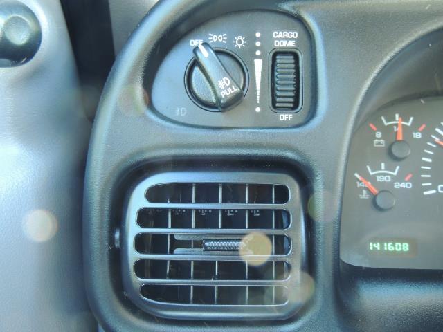 2001 Dodge Ram 2500 Laramie SLT Quad Cab / 4X4 /5.9L DIESEL / 6-SPEED - Photo 39 - Portland, OR 97217