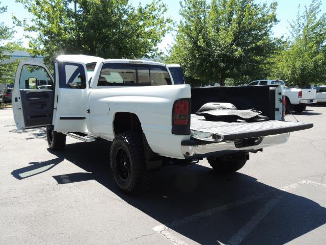 2001 Dodge Ram 2500 Laramie SLT Quad Cab / 4X4 /5.9L DIESEL / 6-SPEED - Photo 27 - Portland, OR 97217