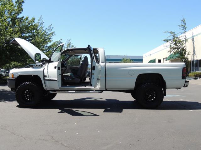 2001 Dodge Ram 2500 Laramie SLT Quad Cab / 4X4 /5.9L DIESEL / 6-SPEED - Photo 26 - Portland, OR 97217