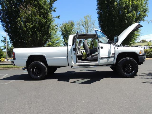 2001 Dodge Ram 2500 Laramie SLT Quad Cab / 4X4 /5.9L DIESEL / 6-SPEED - Photo 30 - Portland, OR 97217