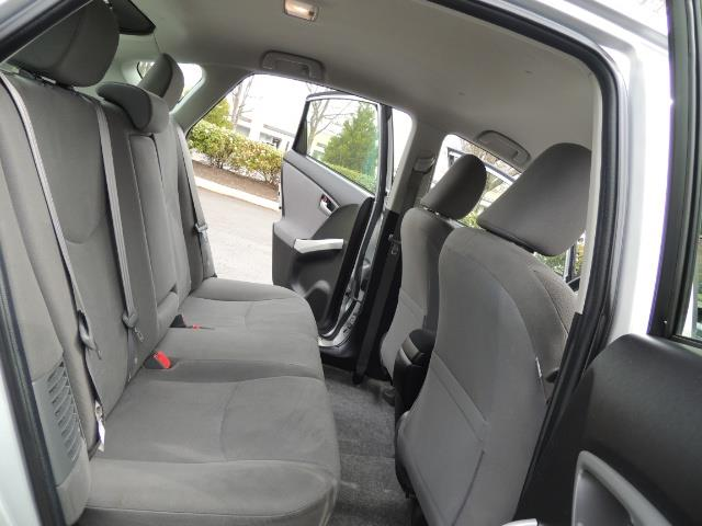 2013 Toyota Prius Two  / HatchBack / Only 37K Miles - Photo 16 - Portland, OR 97217