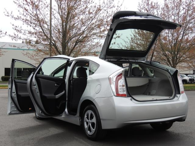 2013 Toyota Prius Two  / HatchBack / Only 37K Miles - Photo 27 - Portland, OR 97217