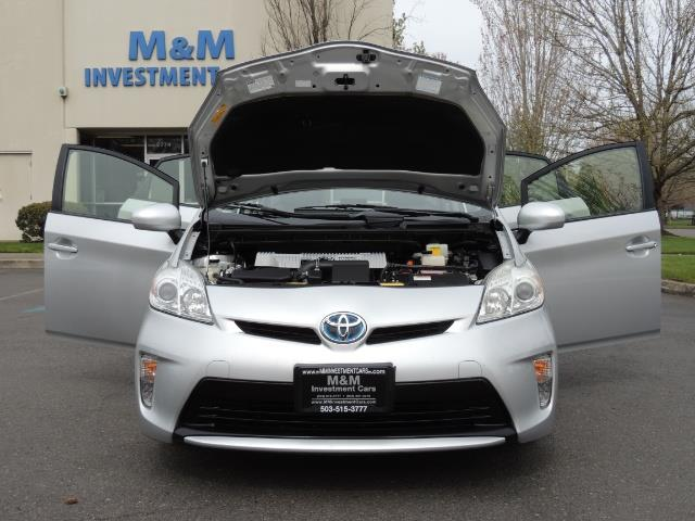 2013 Toyota Prius Two  / HatchBack / Only 37K Miles - Photo 32 - Portland, OR 97217