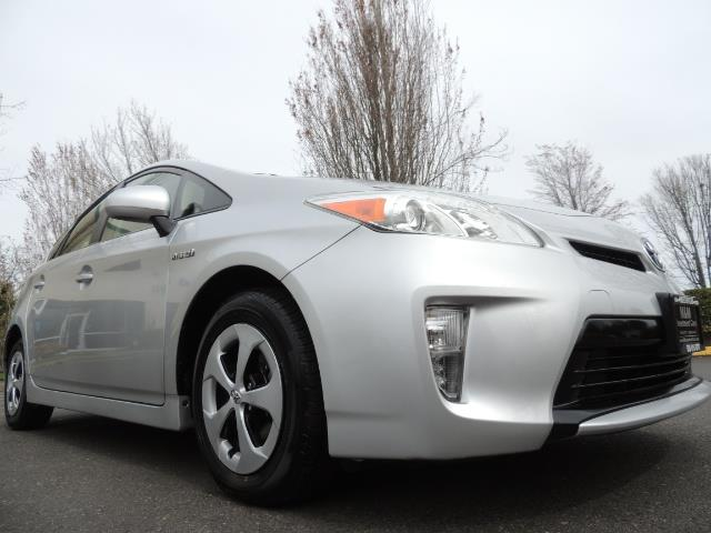 2013 Toyota Prius Two  / HatchBack / Only 37K Miles - Photo 10 - Portland, OR 97217