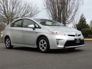 2013 Toyota Prius Two  / HatchBack / Only 37K Miles Hatchback