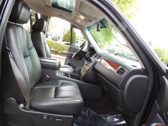 2009 Chevrolet Silverado 2500 LTZ / 4X4 / 6.6L Duramax Diesel / Allison Tranny - Photo 15 - Portland, OR 97217
