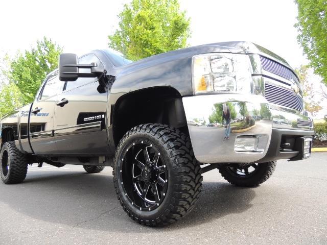 2009 Chevrolet Silverado 2500 LTZ / 4X4 / 6.6L Duramax Diesel / Allison Tranny - Photo 10 - Portland, OR 97217