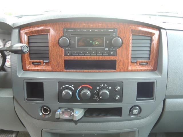 2006 Dodge Ram 2500 SLT / 4X4 / 5.9L Cummins Diesel / HIGH OUTPUT - Photo 19 - Portland, OR 97217