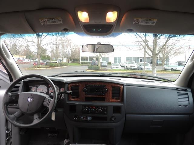 2006 Dodge Ram 2500 SLT / 4X4 / 5.9L Cummins Diesel / HIGH OUTPUT - Photo 39 - Portland, OR 97217