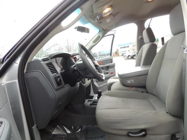 2006 Dodge Ram 2500 SLT / 4X4 / 5.9L Cummins Diesel / HIGH OUTPUT - Photo 14 - Portland, OR 97217