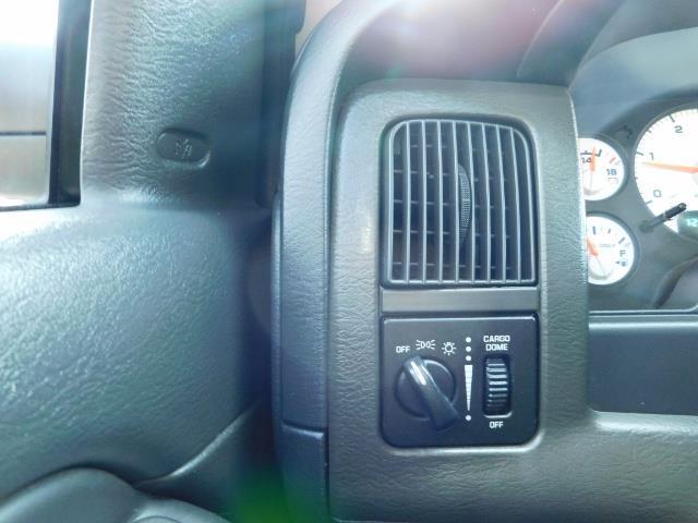 2005 Dodge Ram 2500 SLT 4dr / 4X4 / 5.9L DIESEL / 6-SPEED / JAKE BRAKE - Photo 39 - Portland, OR 97217