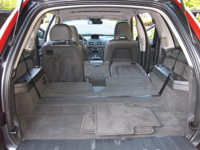 2005 volvo xc90 2 5t turbo navigation 3rd row seat. Black Bedroom Furniture Sets. Home Design Ideas