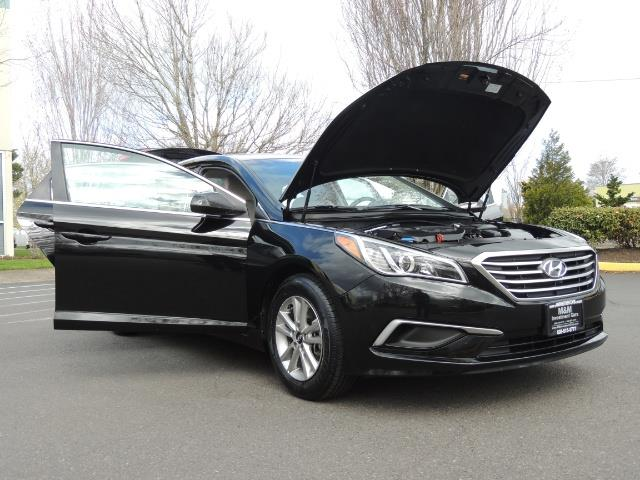 2016 Hyundai Sonata SE / Sedan / Back up camera / Factory Warranty - Photo 30 - Portland, OR 97217