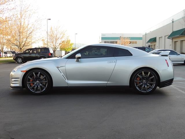 2015 nissan gt r premium coupe twin turbo 1 owner 10k miles. Black Bedroom Furniture Sets. Home Design Ideas