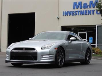2015 Nissan GT-R Premium / Coupe Twin Turbo / 1-OWNER / 10K MILES Coupe