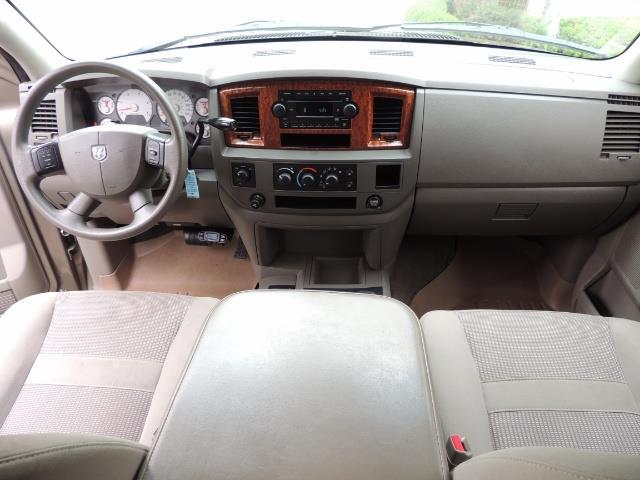 2006 Dodge Ram 2500 SLT SLT 4dr Mega Cab / 4X4 / 5.9L CUMMINS DIESEL - Photo 18 - Portland, OR 97217