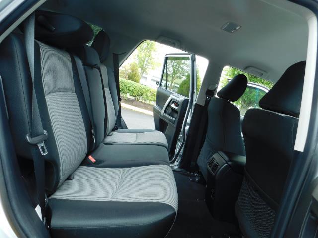 2016 Toyota 4Runner SR5 / 4WD / Navigation / backup camera / LIFTED - Photo 16 - Portland, OR 97217