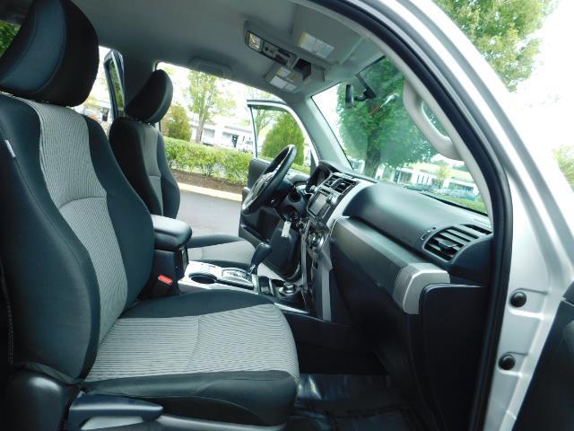 2016 Toyota 4Runner SR5 / 4WD / Navigation / backup camera / LIFTED - Photo 17 - Portland, OR 97217
